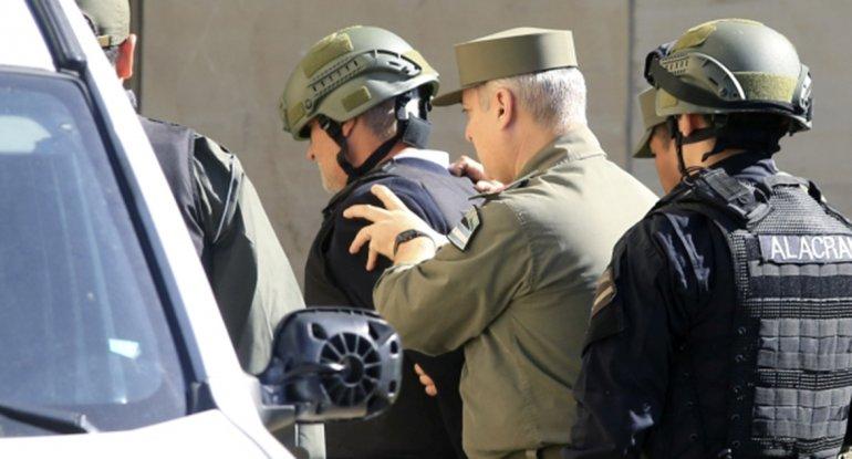 Chueco ingresó minutos después del mediodía al Juzgado y Casanello le leyó la imputación en su contra.