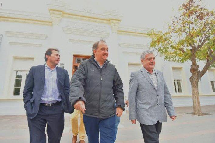 Das Neves y Linares pasaron revista a las necesidades de Comodoro. El gobernador dijo que este jueves Nación hará anuncios importantes.