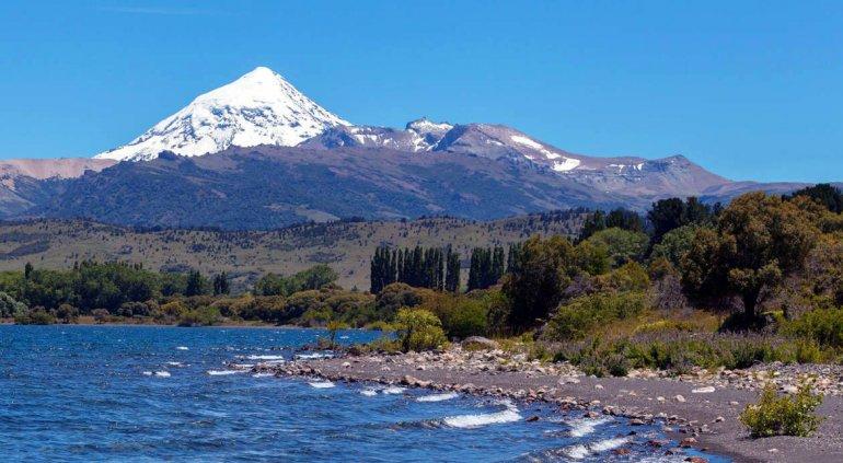 Todo el Parque Nacional Lanín es un muestrario interminable de bellezas naturales y procesos ecológicos.