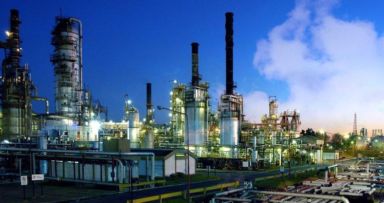 YPF adapta sus instalaciones de La Plata para procesar petróleo pesado.