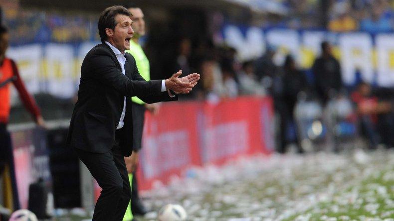 Barros Schelotto evitó hablar en público del expulsado Pablo Pérez.