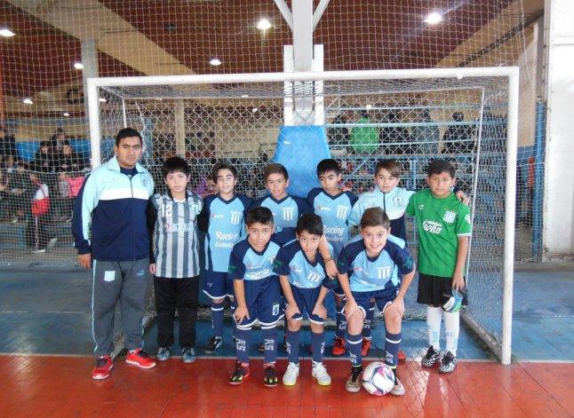 El equipo de Racing 2009 sumó un triunfó ante El Fogón FC.