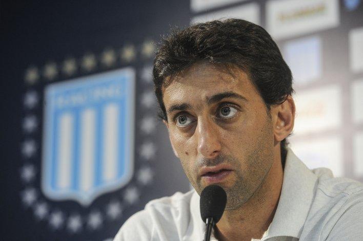 Diego Milito: me gustaría llegar  lo más lejos posible en la copa