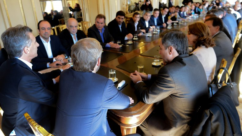 Intendentes se reunieron con Macri por subsidios al transporte público.