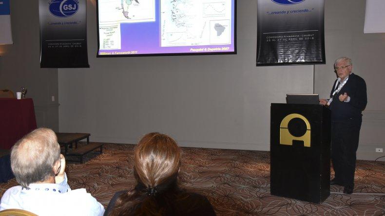 Las Jornadas Geológicas que se desarrollan desde el lunes en el Austral Hotel.