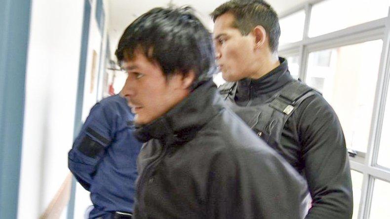 Cristian Soria llegó esposado y custodiado al Hospital Zonal