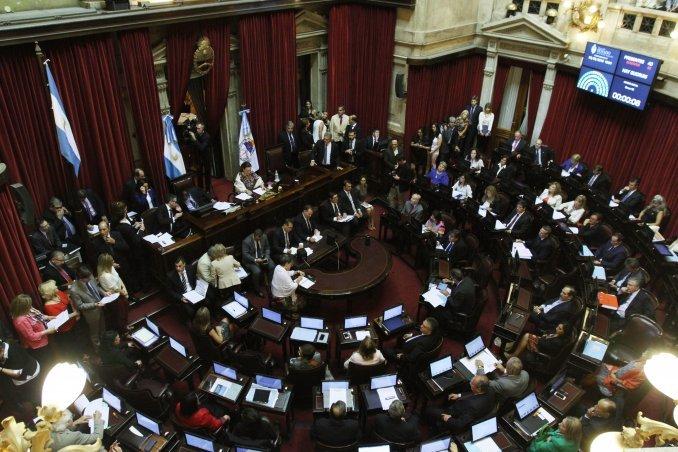 La oposición busca dar media sanción a la ley antidespidos en el Senado
