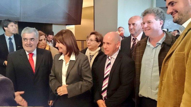 El gobernador encabeza la 1ª cumbre contra el narcotráfico