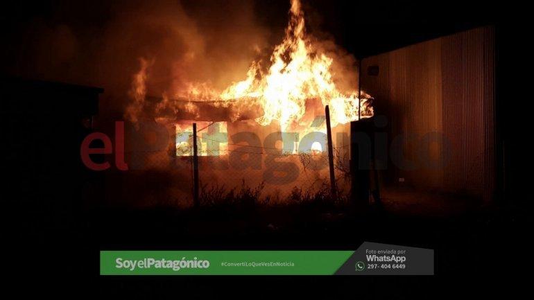 Se incendiaron oficinas en cercanías del yacimiento Los Perales