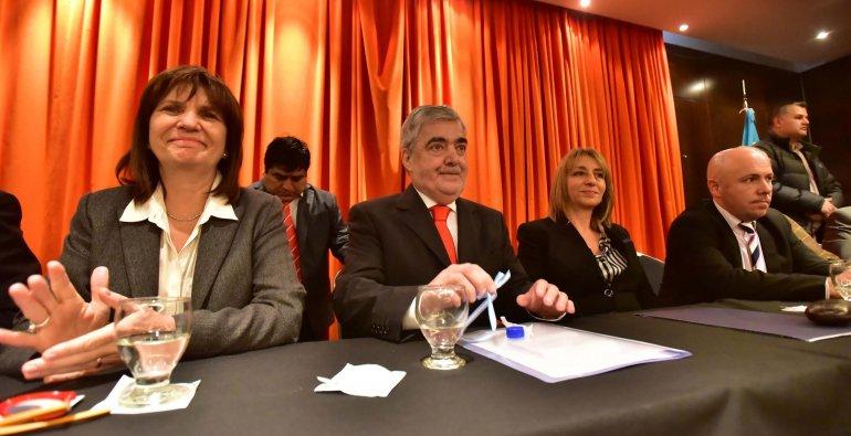 La ministro Bullrich anunció el envío de más efectivos de la Federal a Chubut
