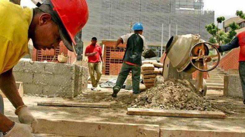 En la primera parte del año el empleo en la construcción bajó 5