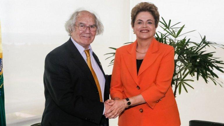Esquivel denunció que la oposición brasileña no respeta la democracia.