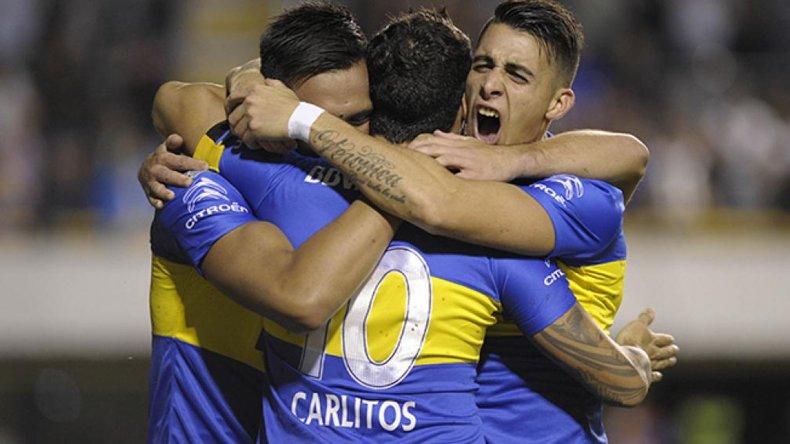 Los abrazos son para Tevez
