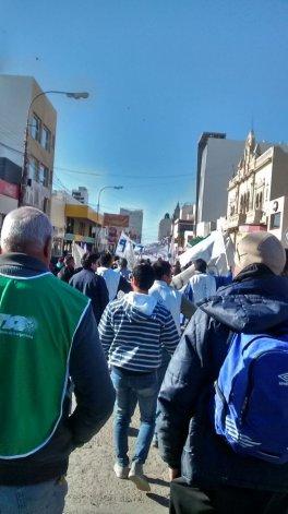 En la plaza de la Escuela 83 se realizará  hoy un acto de protesta por los despidos