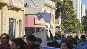 Trabajadores de ATE en la movilización de hoy al mediodía. Foto: Mario Molaroni / El Patagónico.