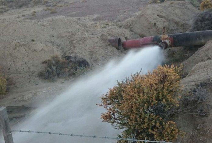 Impresionante pérdida de agua en Astra