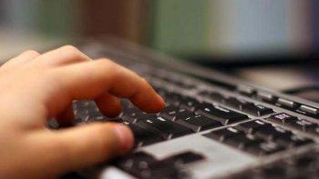 la madre de un nene de 10 anos denuncio acoso en un cyber
