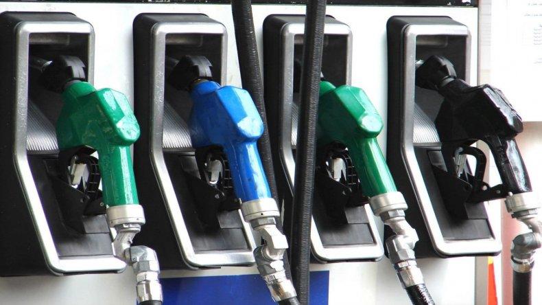Mañana suben un 10% los combustibles