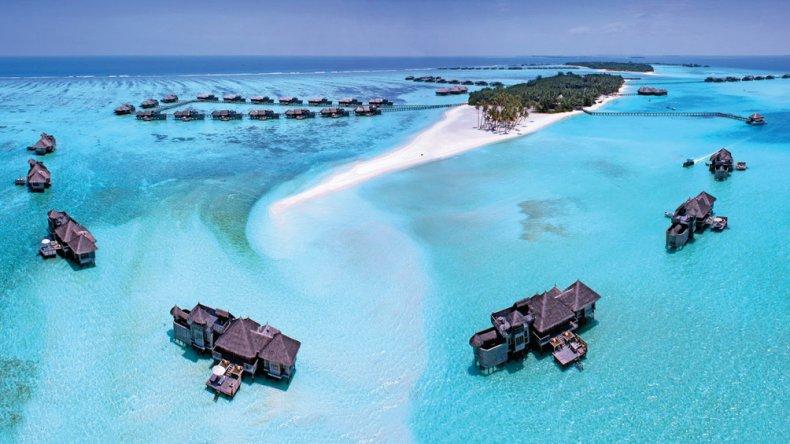 Las tres islas están separadas por poca distancia y muchas agencias ofrecen paquetes que propician el traslado de una a otra.