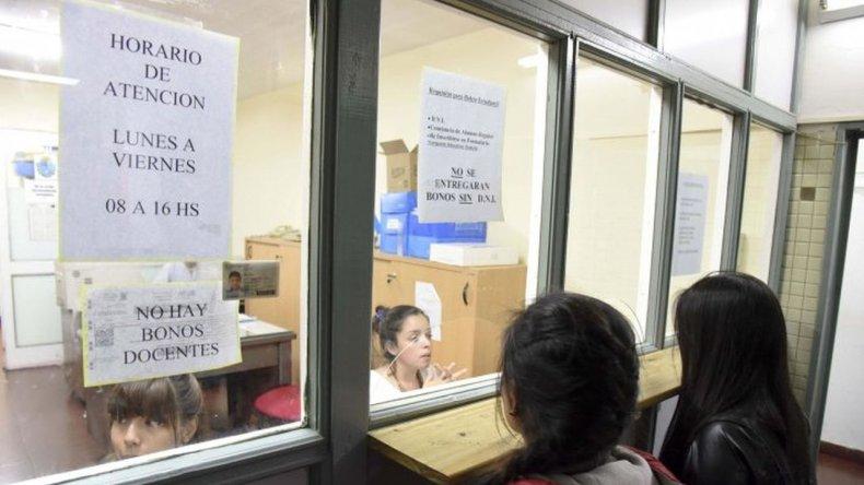No habrá bonos para estudiantes hasta el lunes