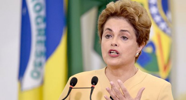 Rousseff asegura que es víctima de un intento de golpe de Estado y hasta ahora ha insistido en que se aferrará a su cargo.