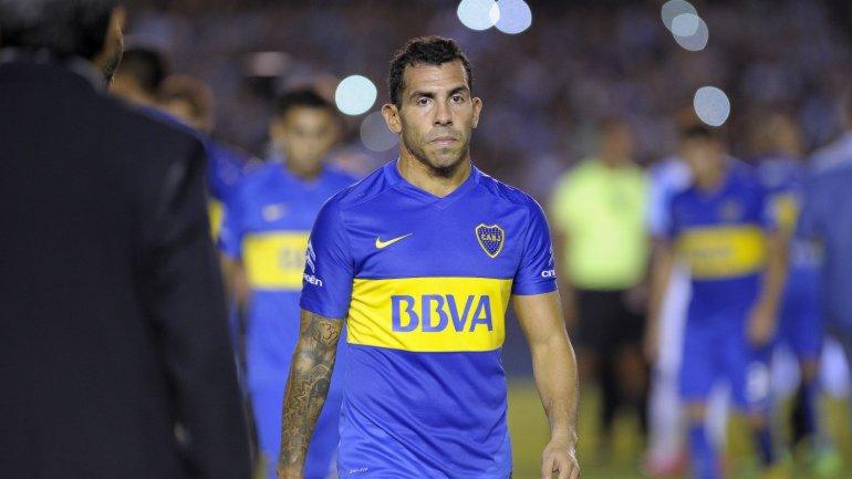 Carlos Tevez sufrió un golpe en un pie pero jugará frente a Cerro Porteño.