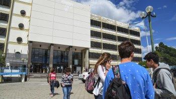 en la universidad preocupan las faltas de respuestas presupuestarias y salariales