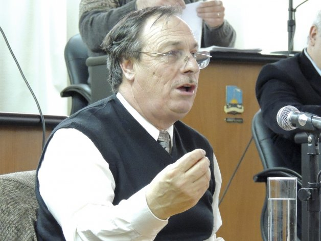 José Gaspar hizo gestiones conjuntas en Buenos Aires con el viceintendente Luque y en su bloque no cayó nada bien.