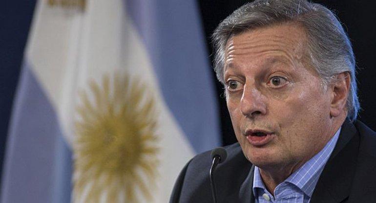 El ministro de Energía defendió el aumento de combustibles.