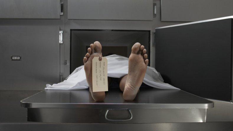 Ingresó a la morgue para tener sexo con un cadáver