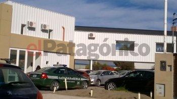 El domingo se llevó a cabo un allanamiento en una concesionaria ubicada en Hipólito Yrigoyen y Polonia en el barrio Pueyrredón.