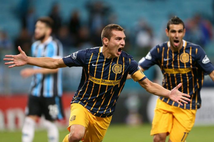 Marco Ruben anotó el gol de la victoria canalla en Brasil y salió con una molestia