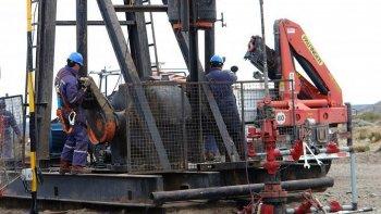 en un ano se perdieron 3.200 empleos petroleros en neuquen