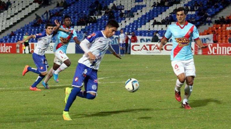 Godoy Cruz viene de derrotar 2-0 a Arsenal y es uno de los candidatos a jugar la final por el título.