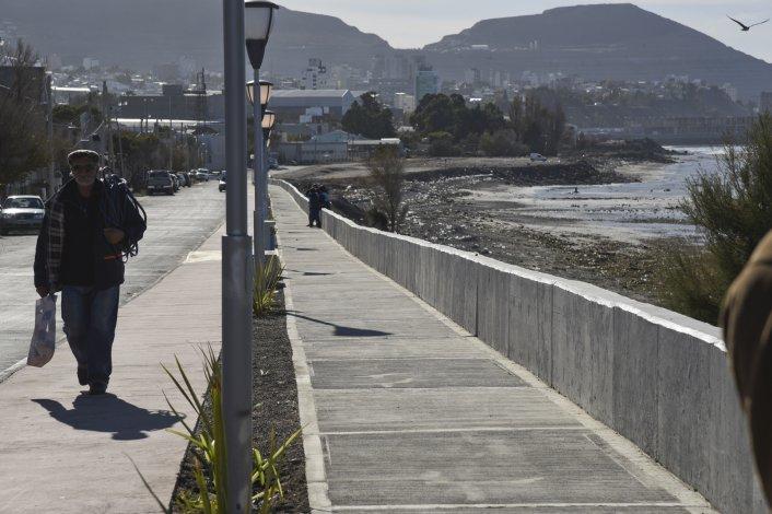 El paseo costero del Stella Maris recorre 900 metros de la calle Saturnino López.