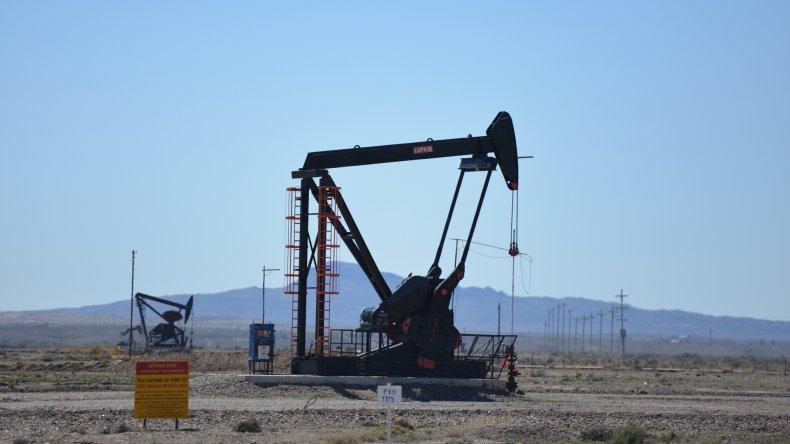 Sin novedades desde Buenos Aires, petroleros de  PECOM siguen de retención