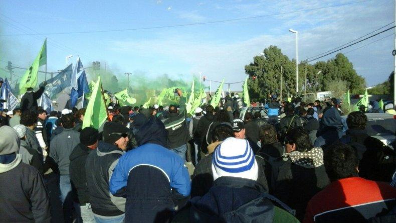 Trabajadores de UOCRA comenzaron a marchar hacia 3 y 26.
