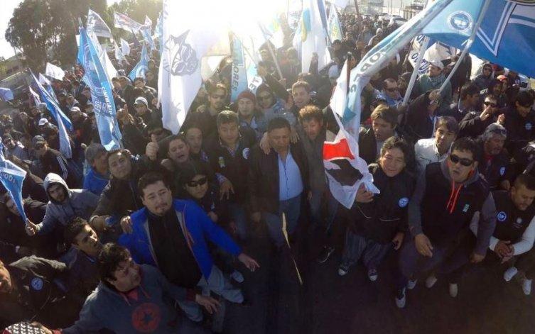 El Sindicato de Petroleros Privados Chubut firmó el acuerdo después que se sumara en el mismo a los trabajadores que siguen cobrando sus sueldos sin subir a los yacimientos