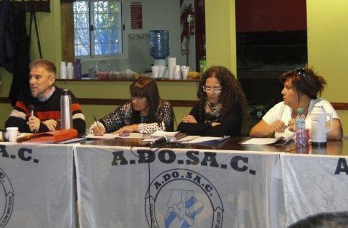 Congresales de ADOSAC que deliberaron el viernes en Puerto San Julián decidieron incrementar las medidas de fuerza con un paro de 72 horas.