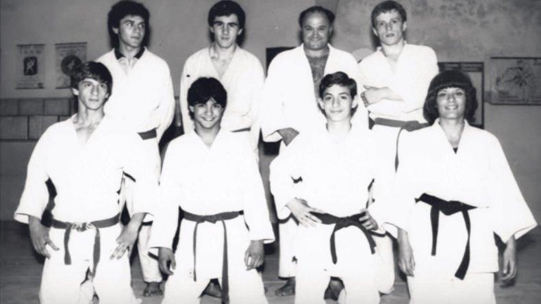 Roberto Grupallo en su adolescencia –abajo izquierda- con el equipo de judo en un Torneo Sudamericano.