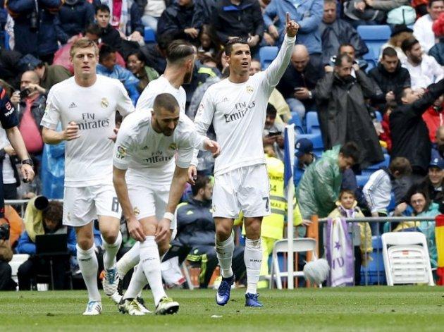 Real Madrid derrotó al Valencia y sigue con chqances de ser campeón