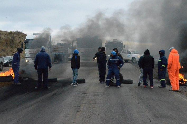 El SITRAIC cortó rutas y la UOCRA  bloqueó sede del Ministerio de Trabajo