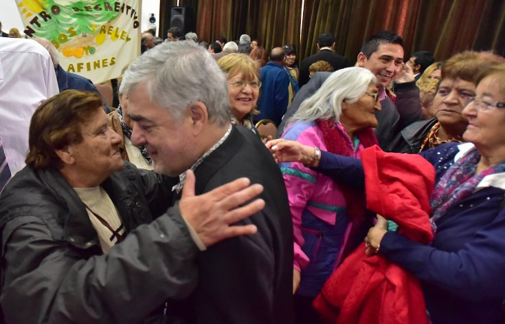 El gobernador Mario Das Neves encabezó ayer en Rawson el lanzamiento de los Juegos Evita para los Adultos Mayores.