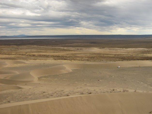 El paisaje del lago Colhué Huapi exhibe el peor panorama de la sequía en el sur de la Patagonia.