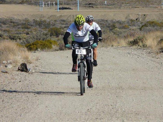 El ciclismo de montaña tuvo una gran convocatoria con la disputa de la primera fecha del Circuito Comodoro Corre que fue auspiciado por Osde.