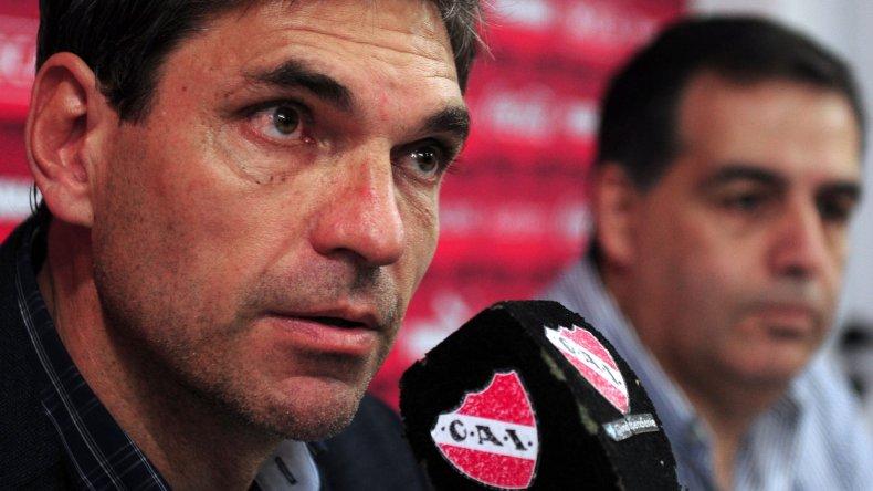 Mauricio Pellegrino y su última conferencia de prensa como DT de Independiente.