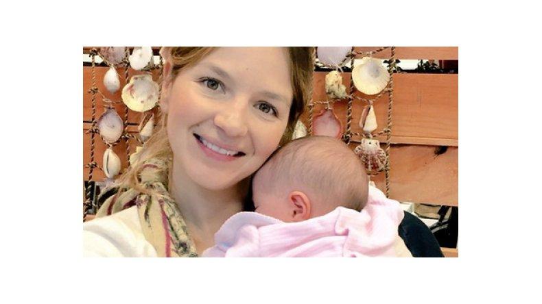 Marcela Kloosterboer mostró por primera vez a su hija: Con mi princesa