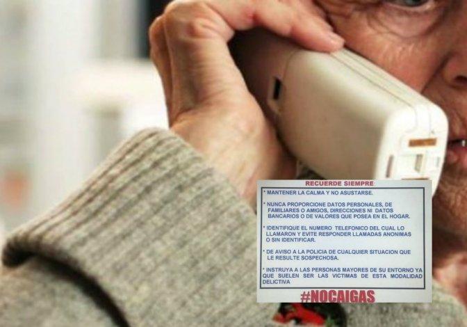 La policía de Rada Tilly reparte folletos para prevenir estafas telefónicas