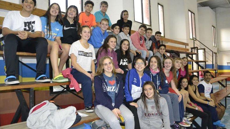 El equipo provincial de natación está listo para comenzar con las competencias en la capital santacruceña.