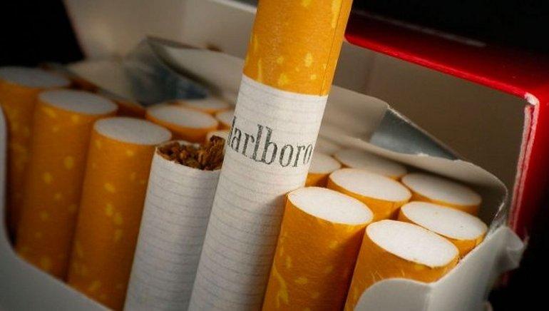 Tabacalera bajó el precio de los cigarrillos por la caída de ventas